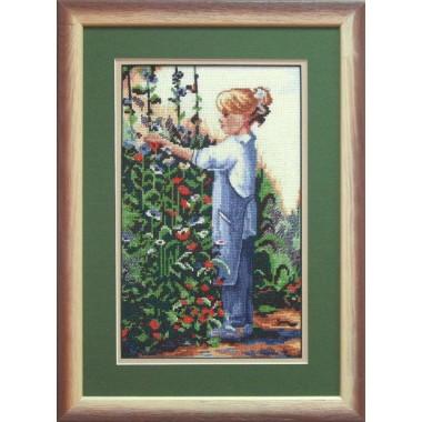 """Набор для вышивки крестом Чарівна Мить 494 """"Девочка в саду"""""""