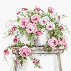 Набор для вышивания Luca-S B2331 Розы на табурете