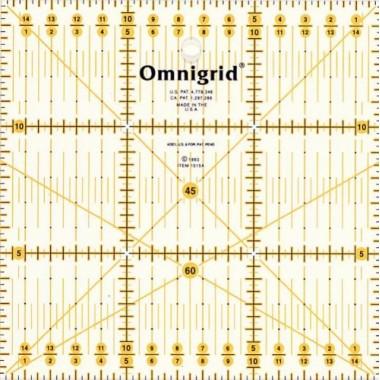 Универсальная линейка Prym 611484 с сантиметровой шкалой 15 x 15 см