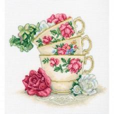Набор для вышивания РТО M622 Чашка чая с лепестками роз